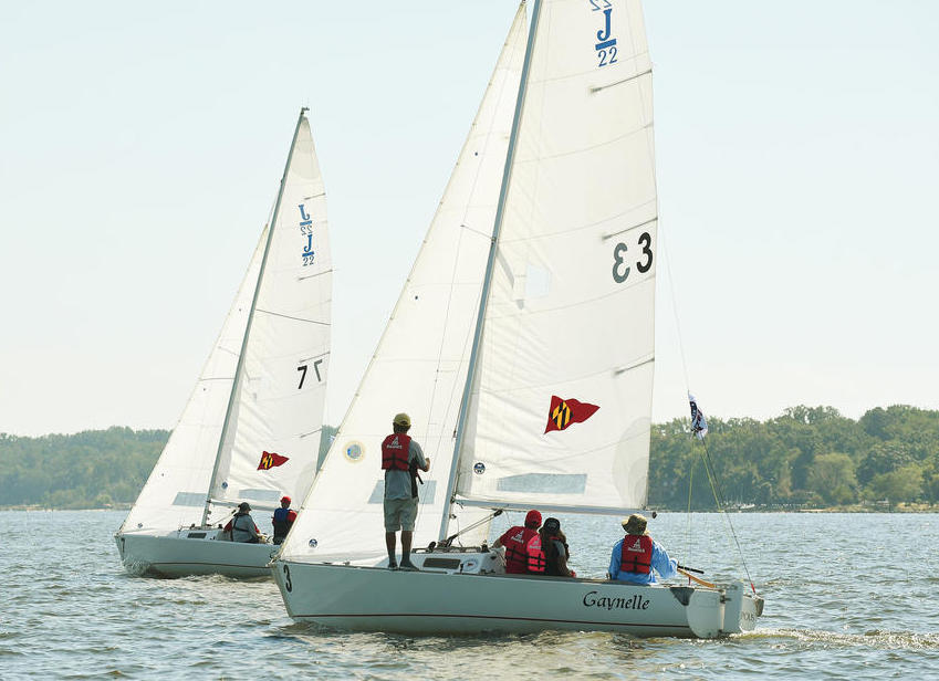 Wounded Veterans Use Sailing as an Outlet